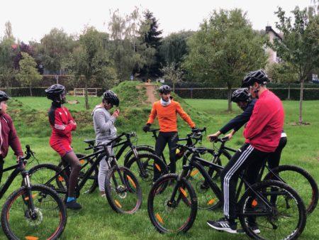 Frank Schleck entraîne nos élèves au Mountainbike