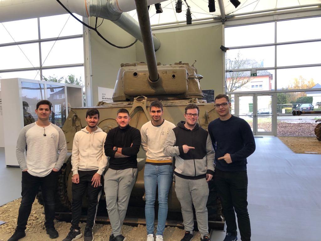 Des élèves du LGK à l'exposition « Lëtzebuerg am Zweete Weltkrich »